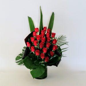 Stunner – 24 Red Roses